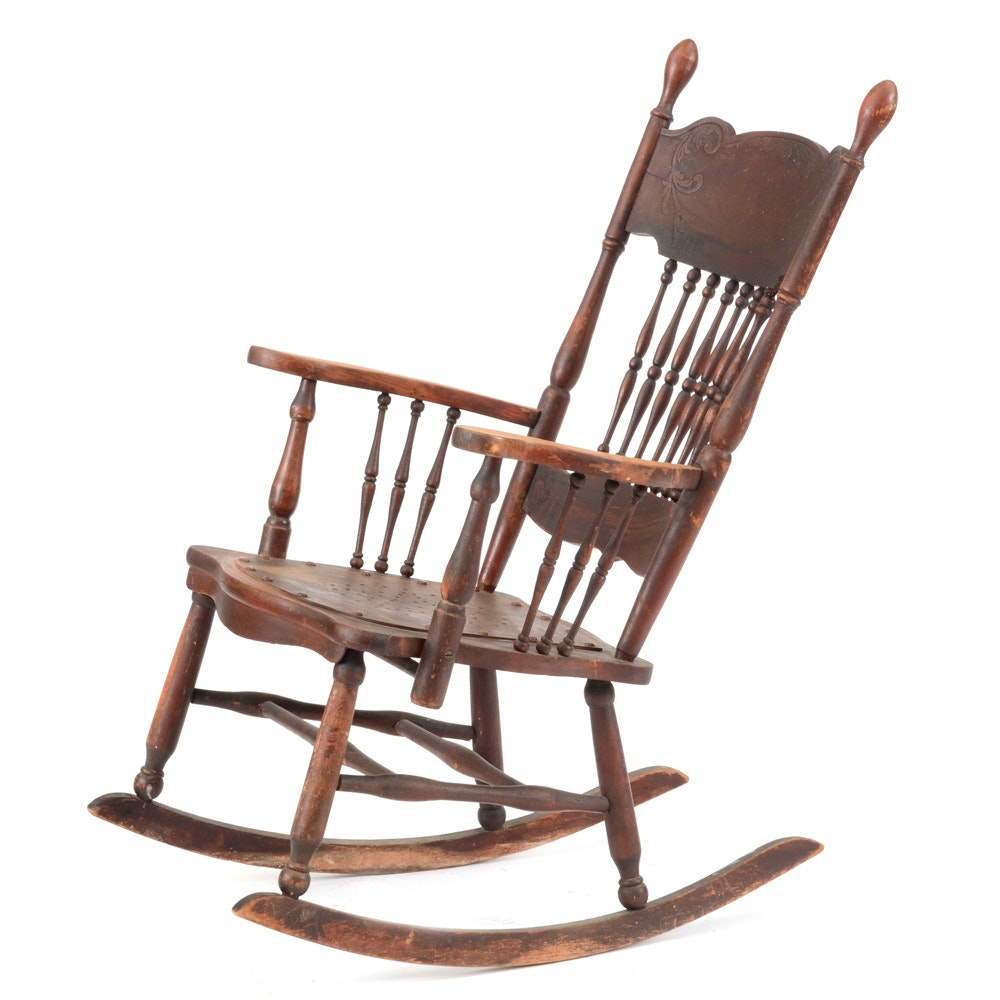 Delicieux Antique Spindle Back Rocking Chair ...