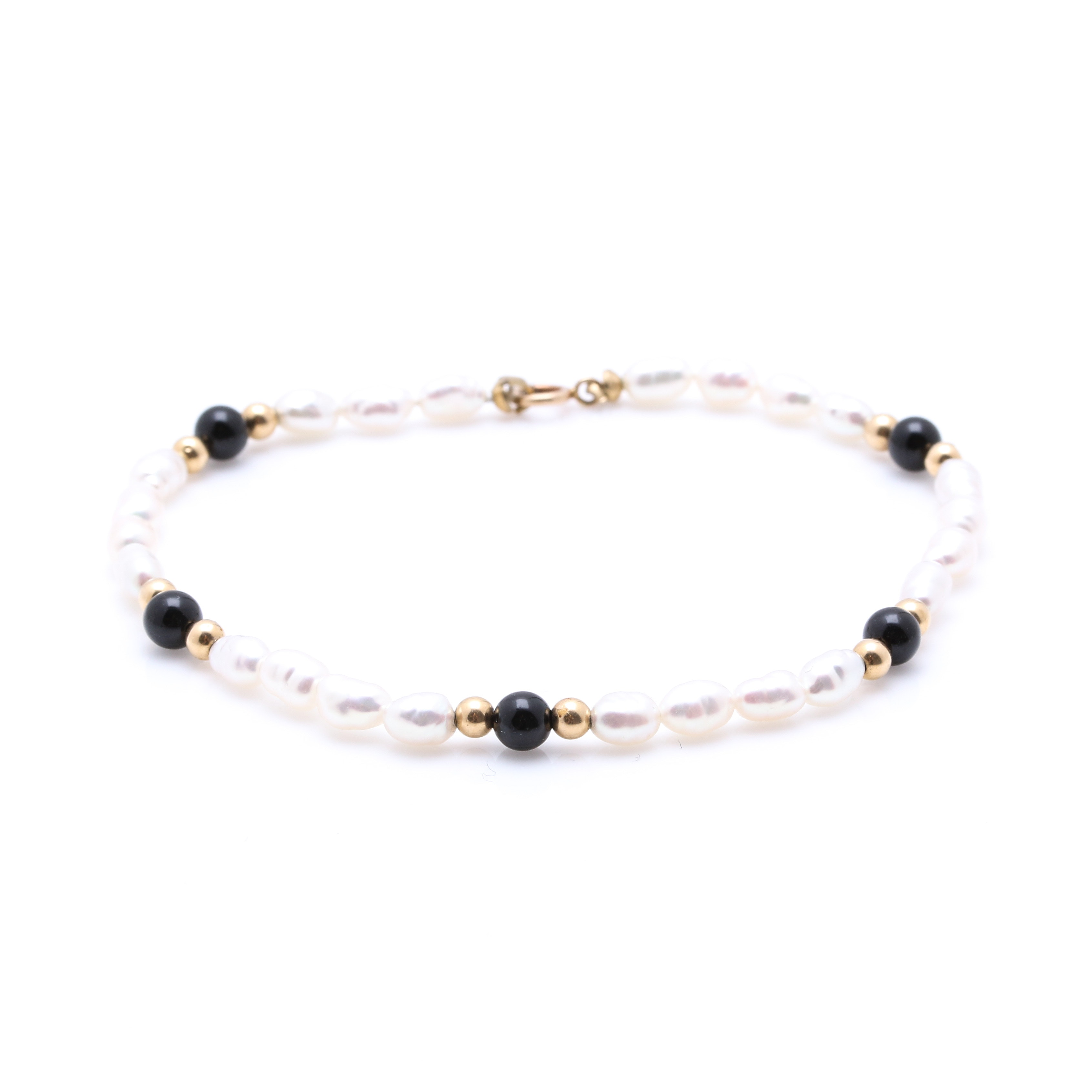 Pearl and Black Onyx Bracelet With 10K Yellow Gold Findings