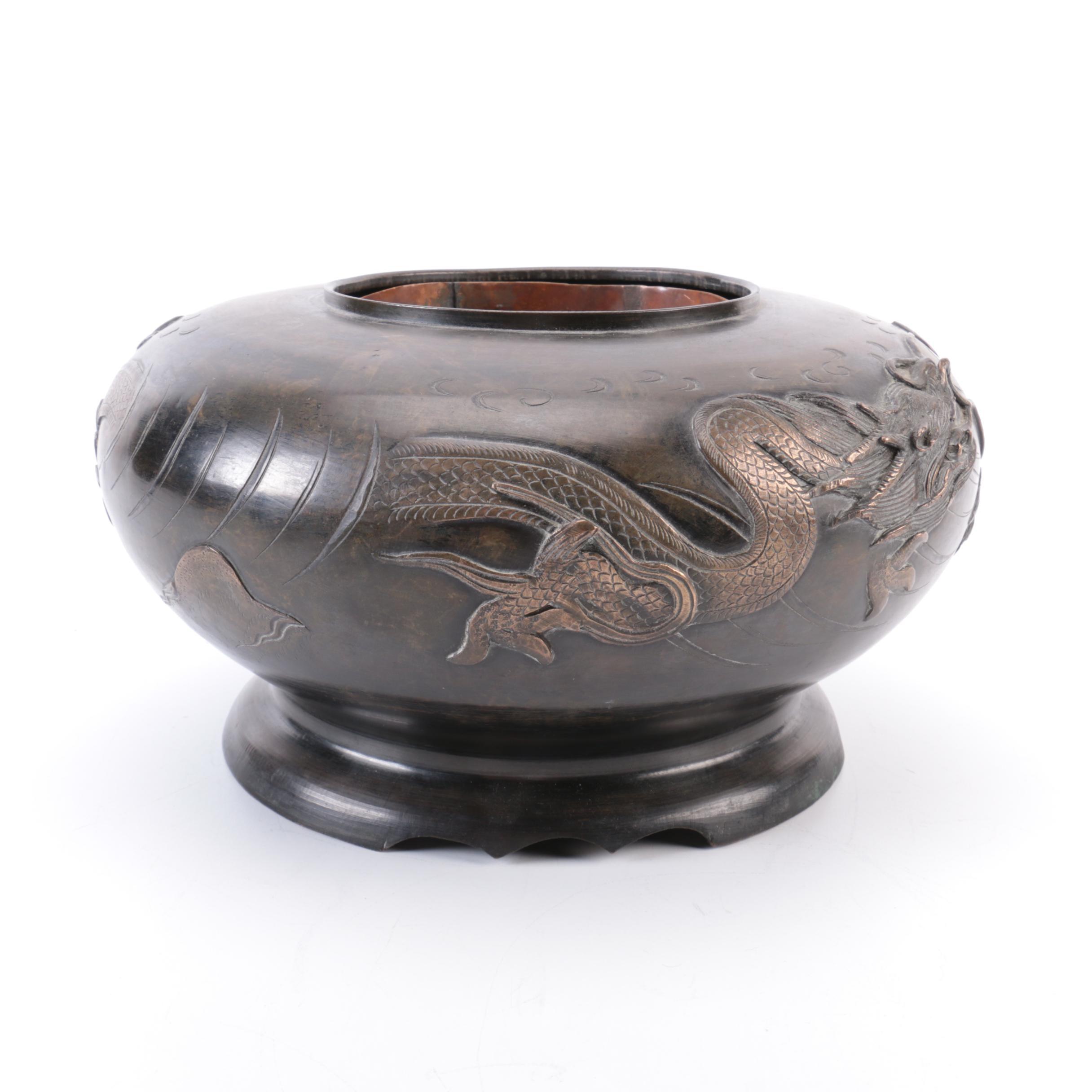 Chinese Qing Dynasty Bronze Dragon Pot