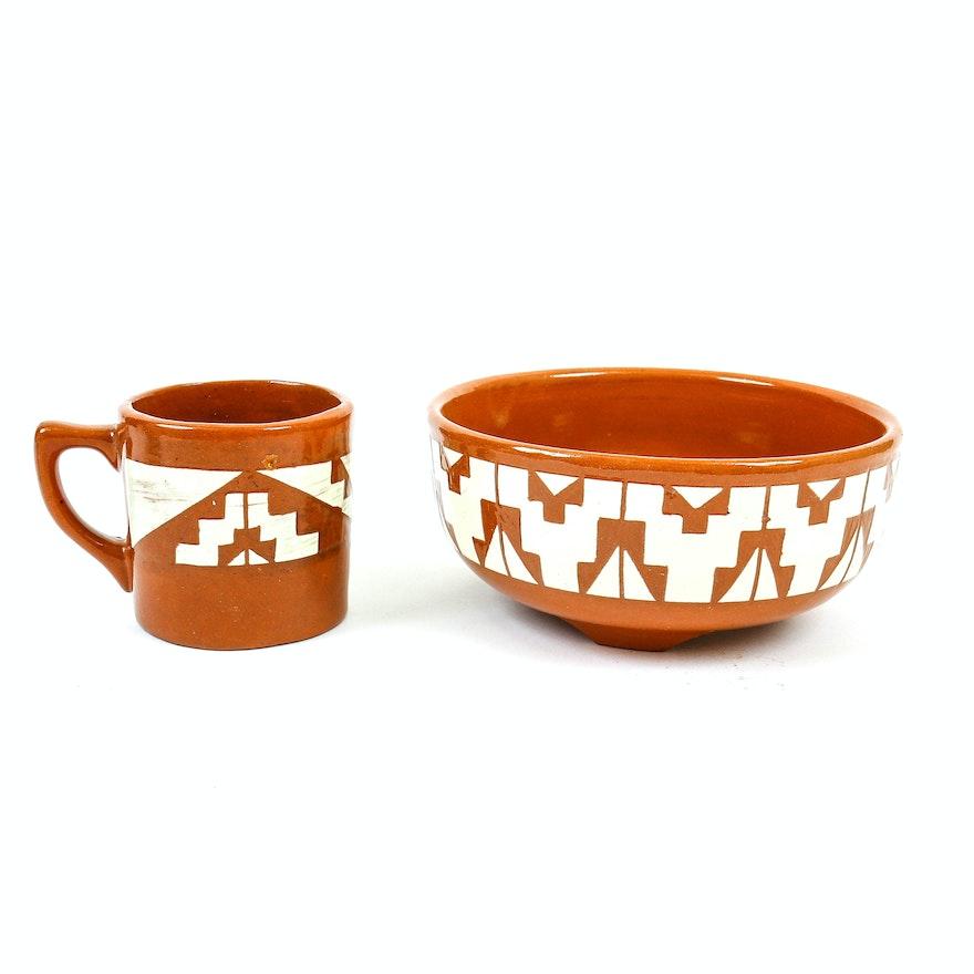 Pair of Mary B.T. Deer Signed Native American Ceramics : EBTH