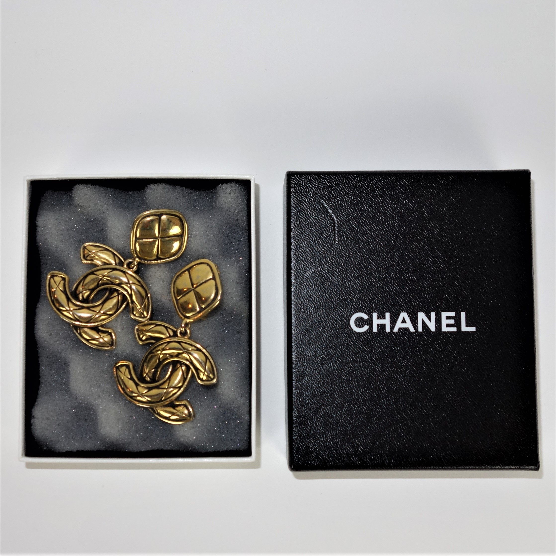 Chanel Dangle Gold Tone Earrings