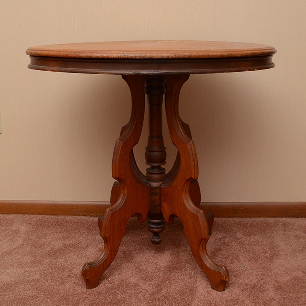 Oak Accent Table With Scalloped Panel Base