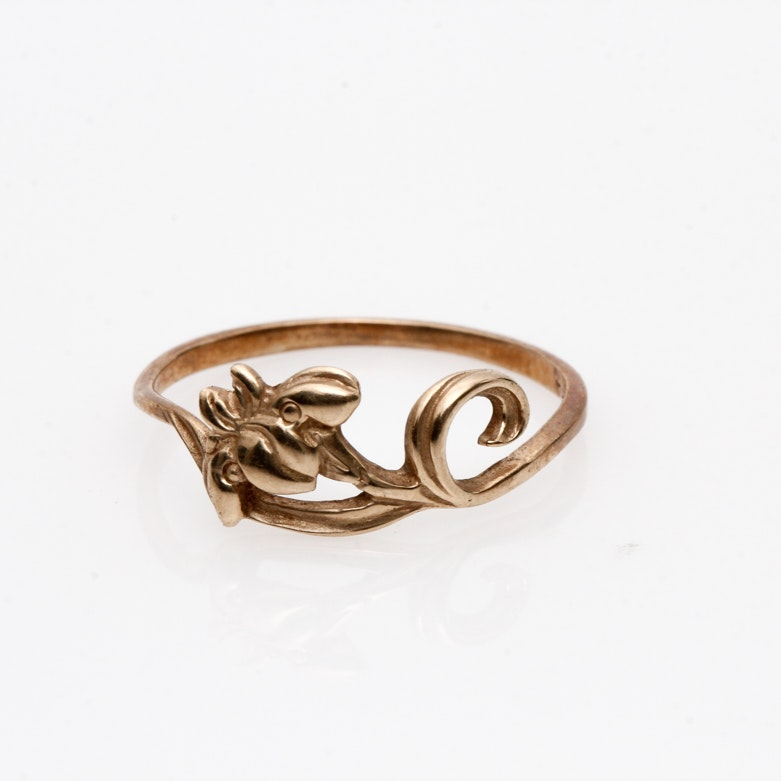 Vintage 14K Yellow Gold Carved Iris Ring