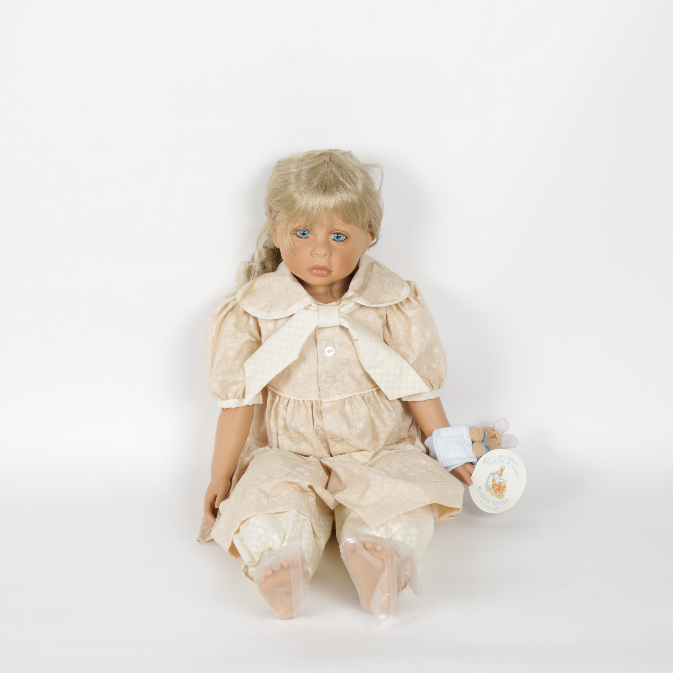 "Limited edition ""Amber"" Masterpiece Gallery Doll"