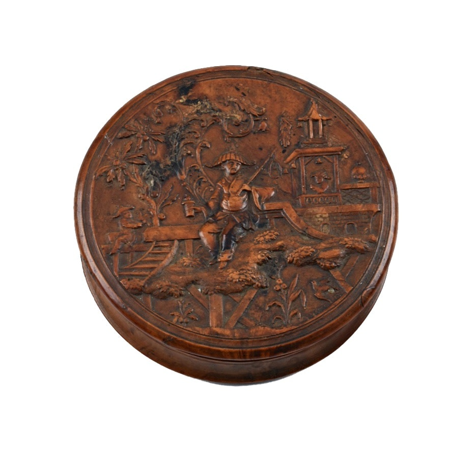 19th Century French Pressed Wood Snuff Box with Asian Motif