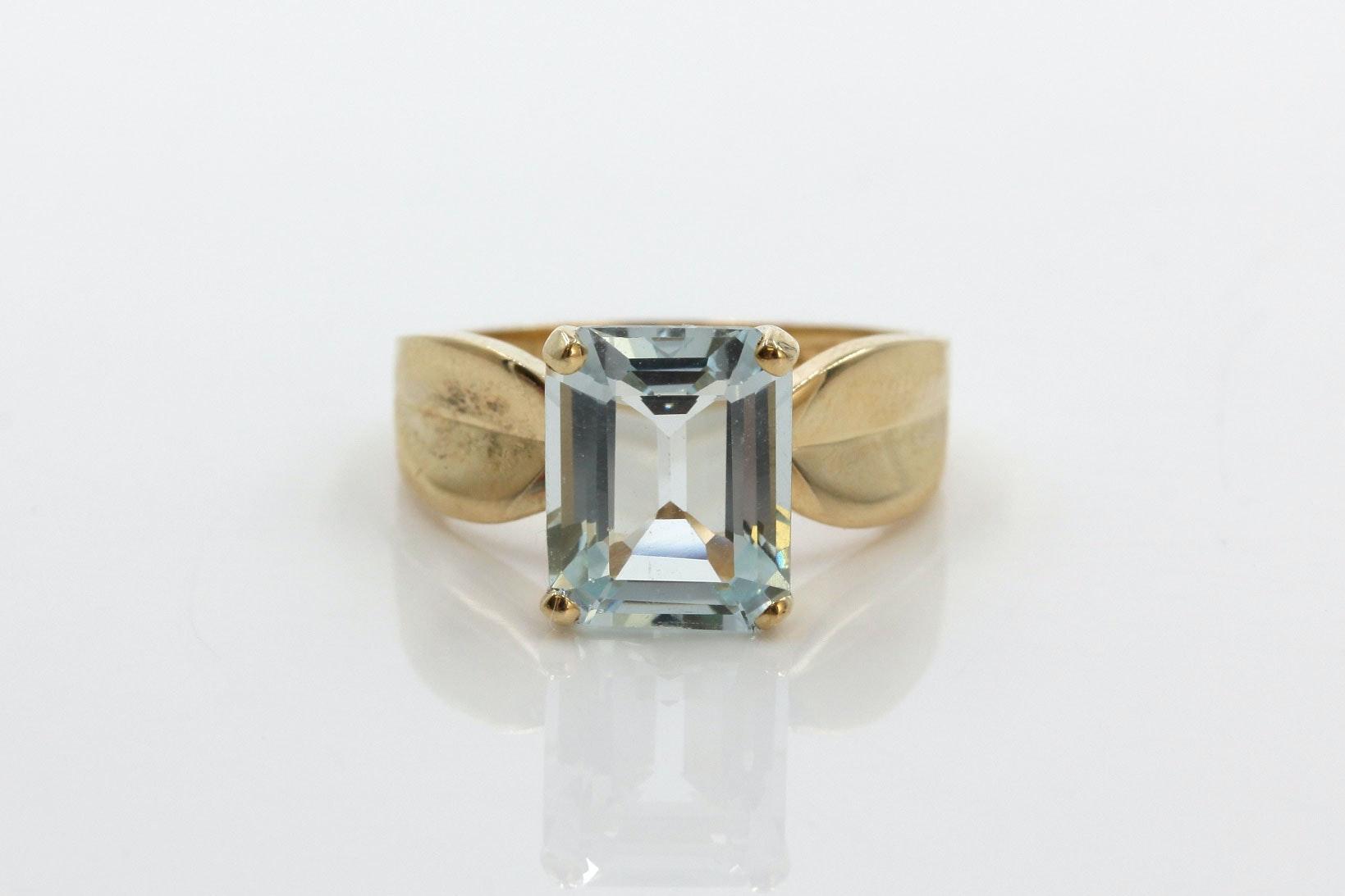 14K Yellow Gold 2.30 CTS Aquamarine Ring