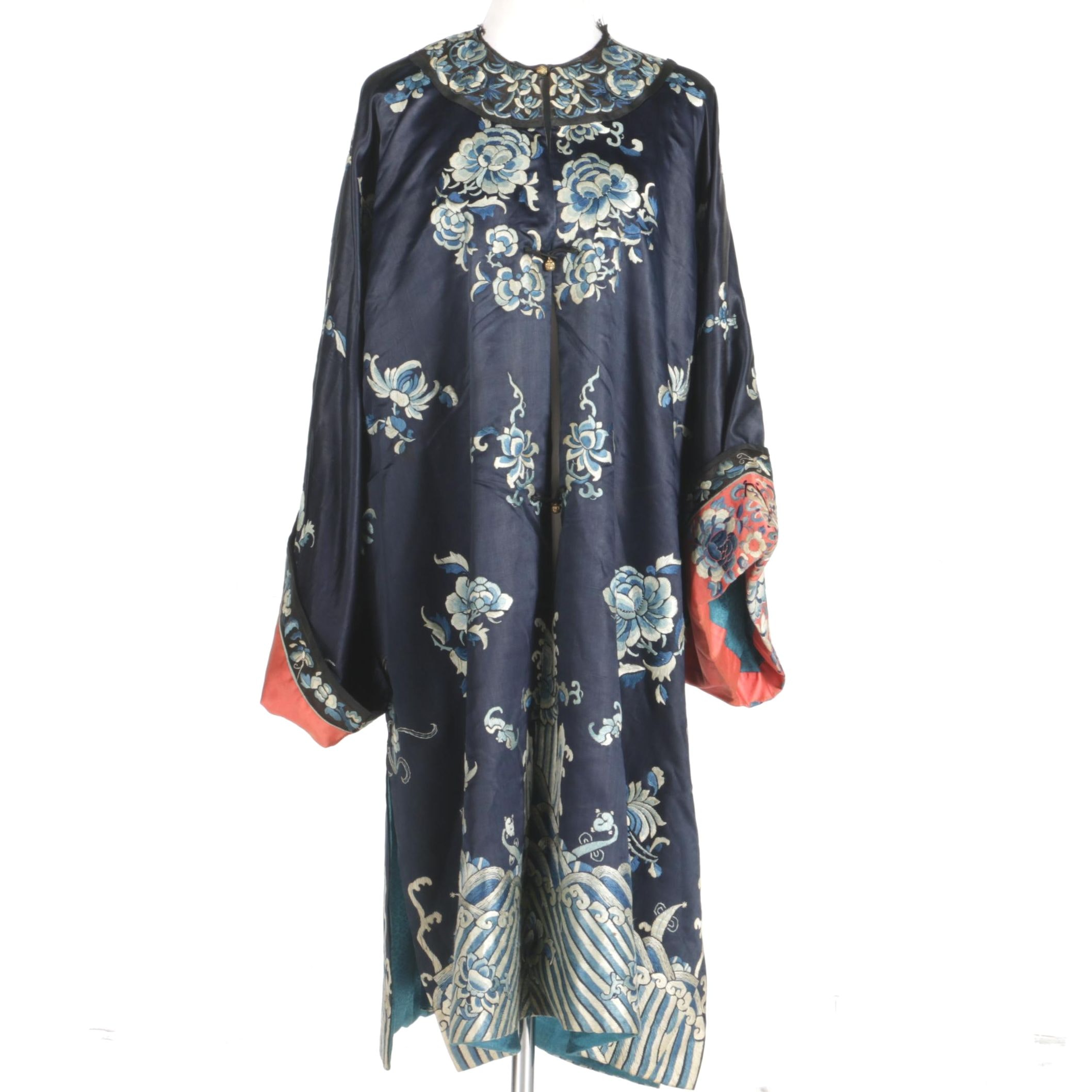 Vintage Chinese Silk Embroidered Robe from the Republic Period