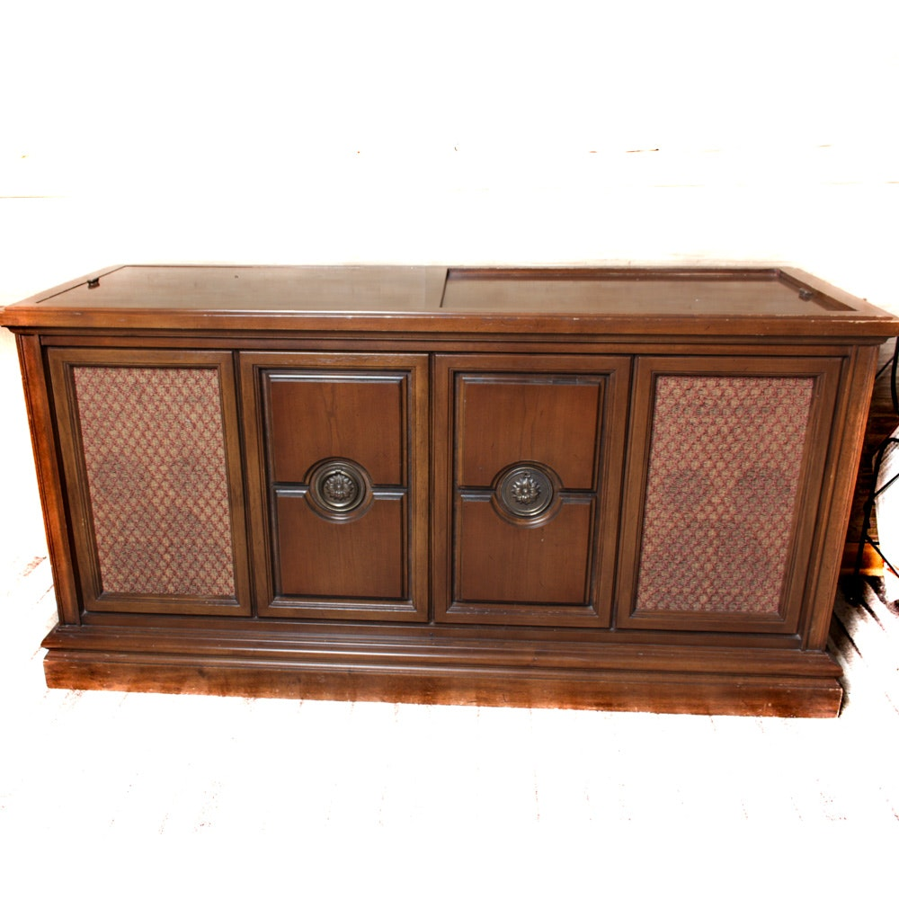 Vintage Record Player Console 3