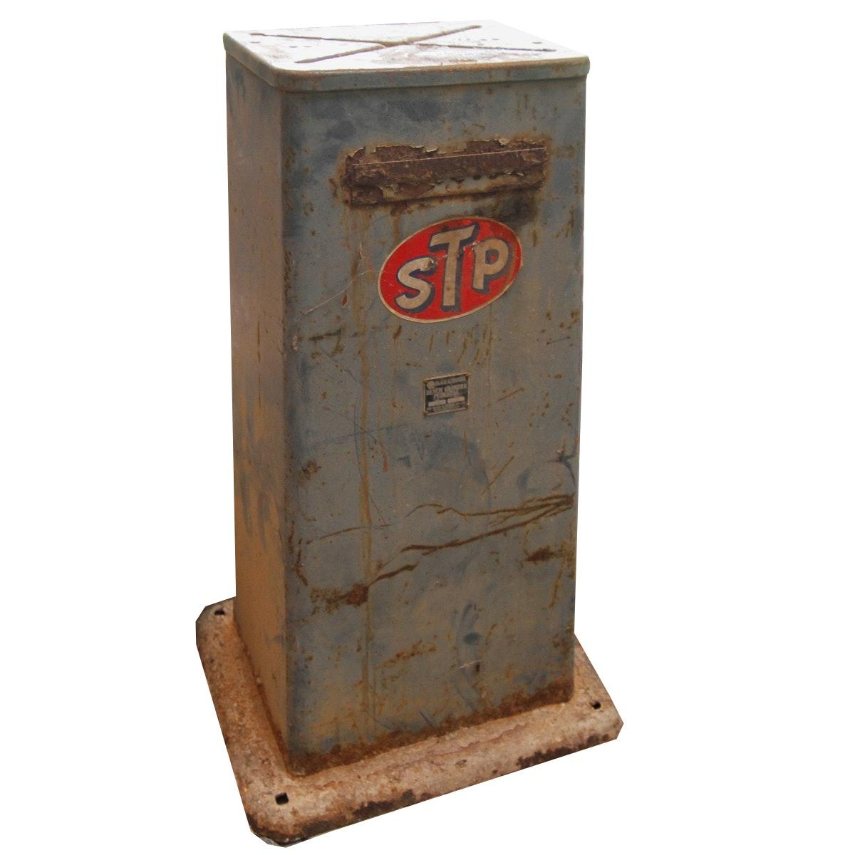 Vintage STP Metal Structure