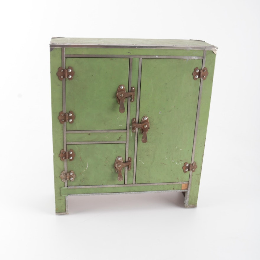 Vintage Green Metal Kitchen Cabinet or Ice Box : EBTH on ice chest hinges and latches, bed cabinet, electric cabinet, bar cabinet,