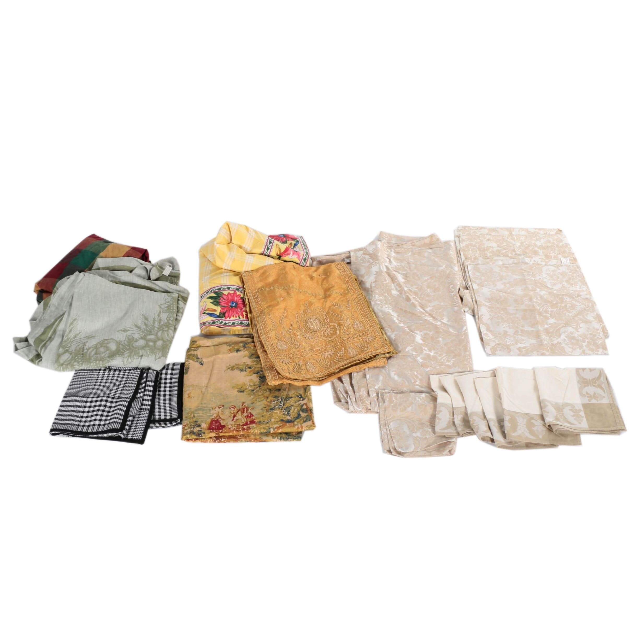 """Table Linens Including Waterford """"Kingscourt"""""""