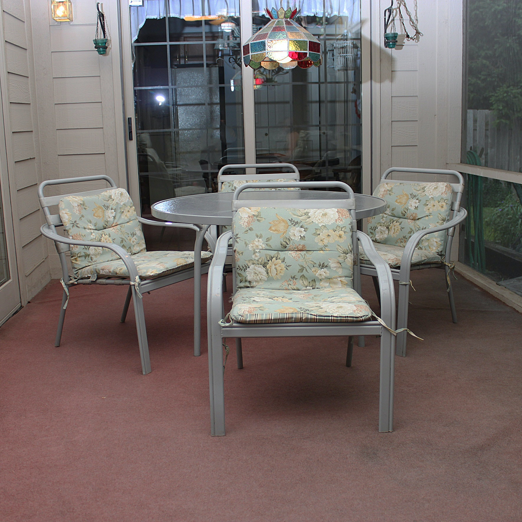 Tropitone Outdoor Dining Set