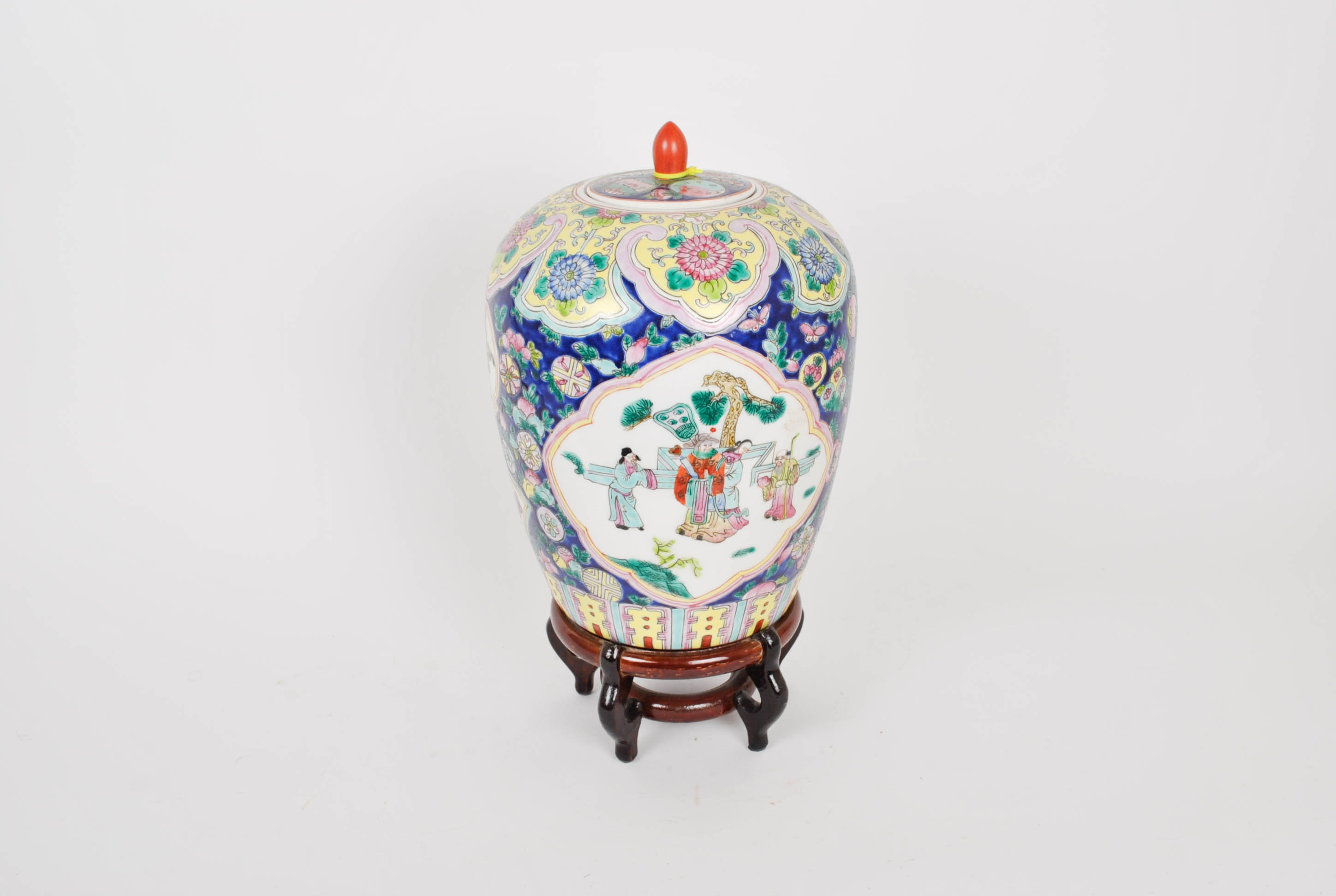 Chinese Hand Painted Rose Jar