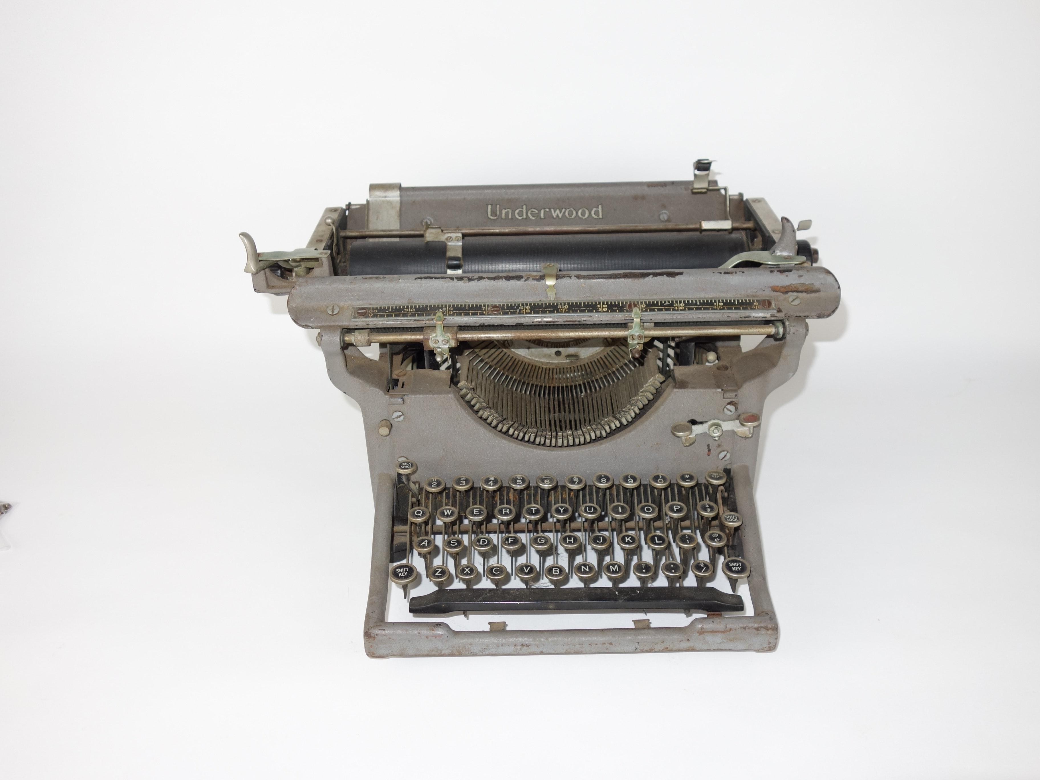Early Underwood Manual Typewriter