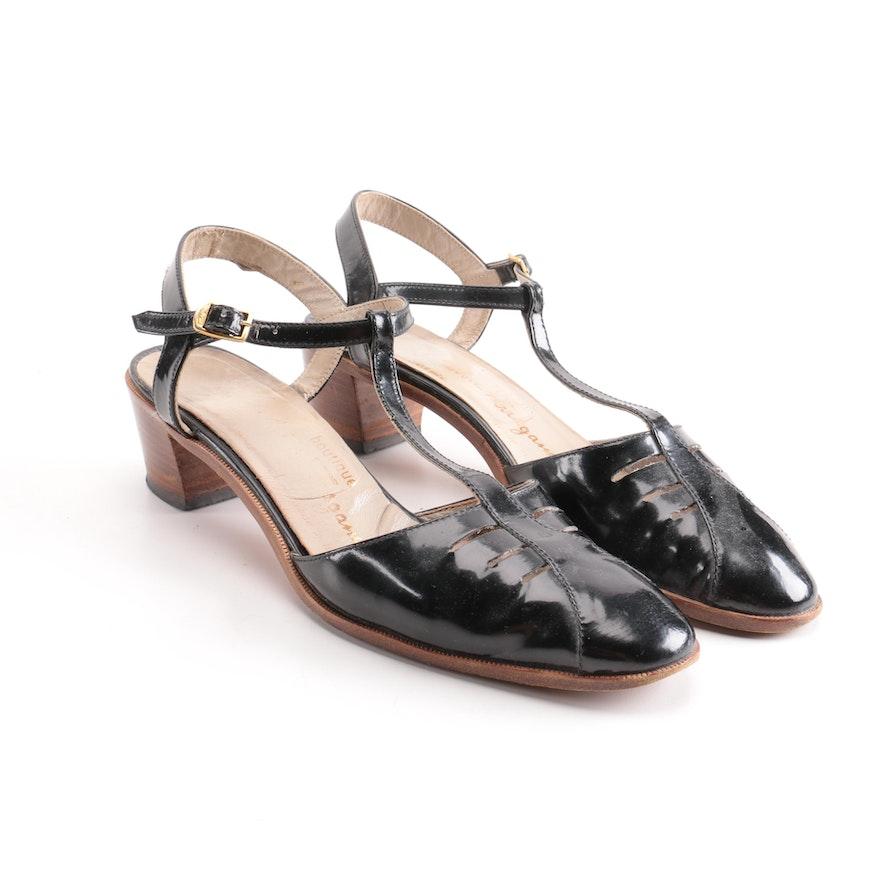1d37edca4850 Vintage Salvatore Ferragamo Black T-Strap Sandals   EBTH