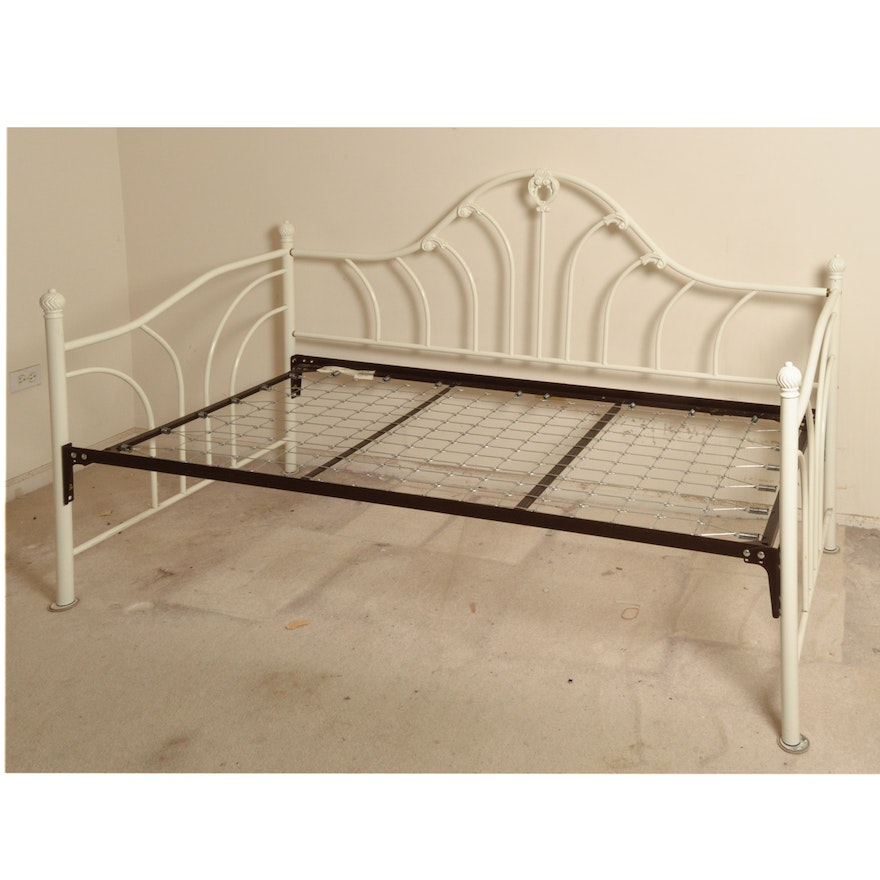 White Iron Daybed