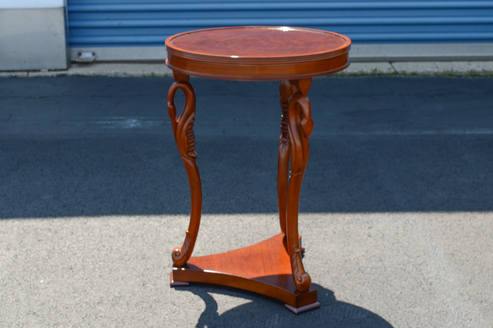 Vintage Empire Style Swan Leg Round Table
