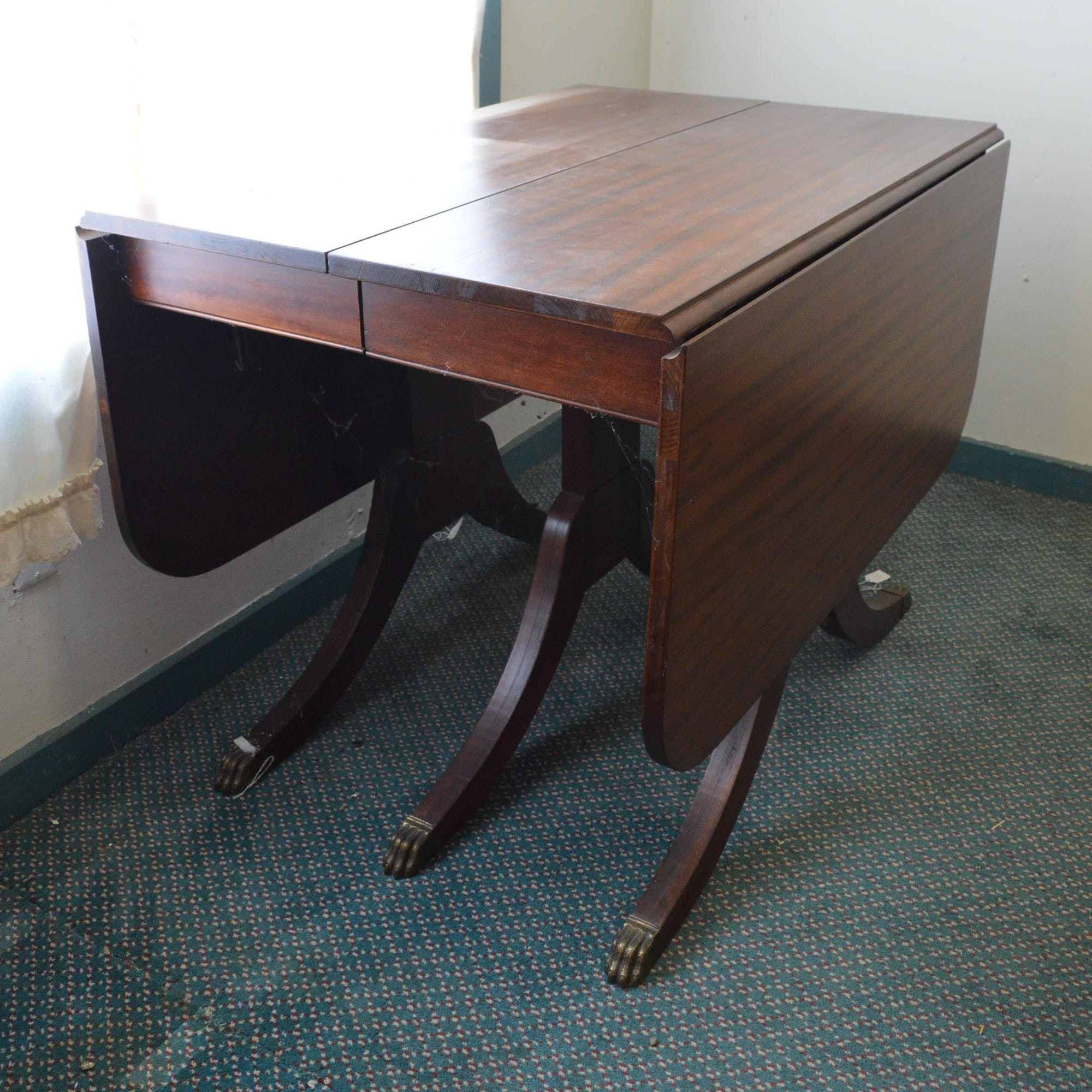 Duncan Phyfe Style Extending Mahogany Drop Leaf Table