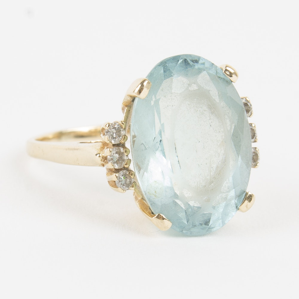 14K Yellow Gold Diamond and Aquamarine Ring