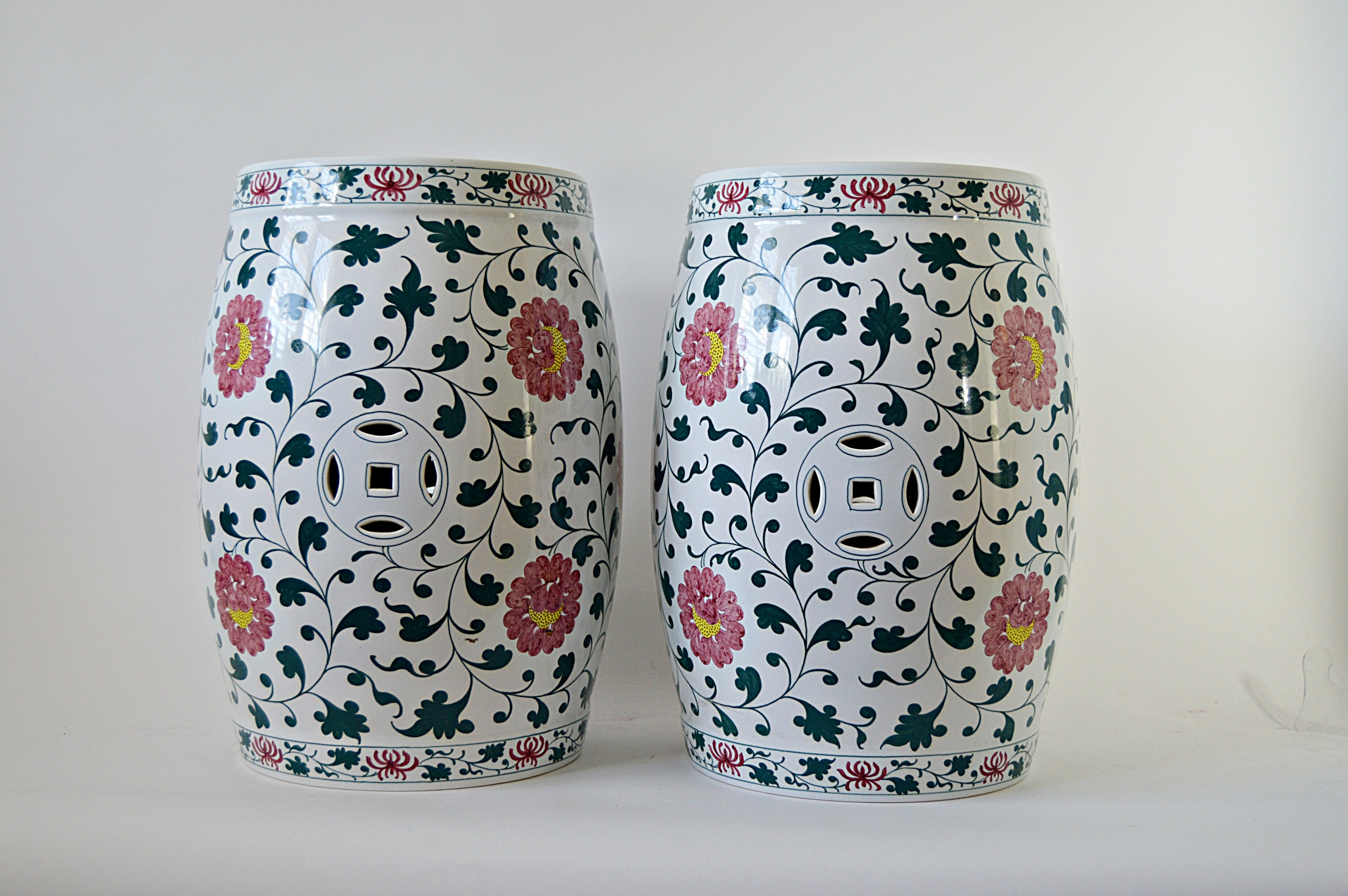 Pair Of Chinese Porcelain Garden Stools Ebth