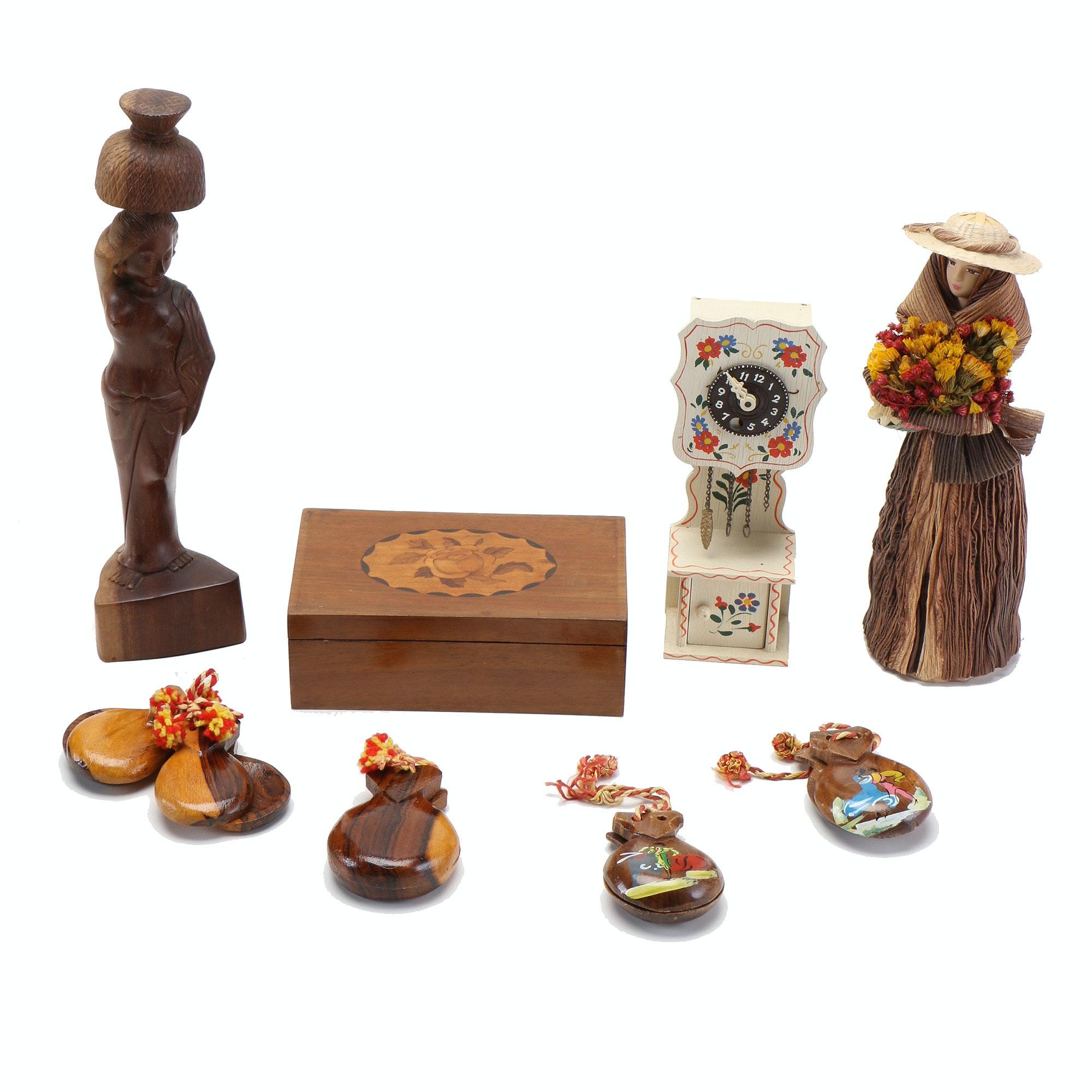 Assortment of Wooden Home Décor