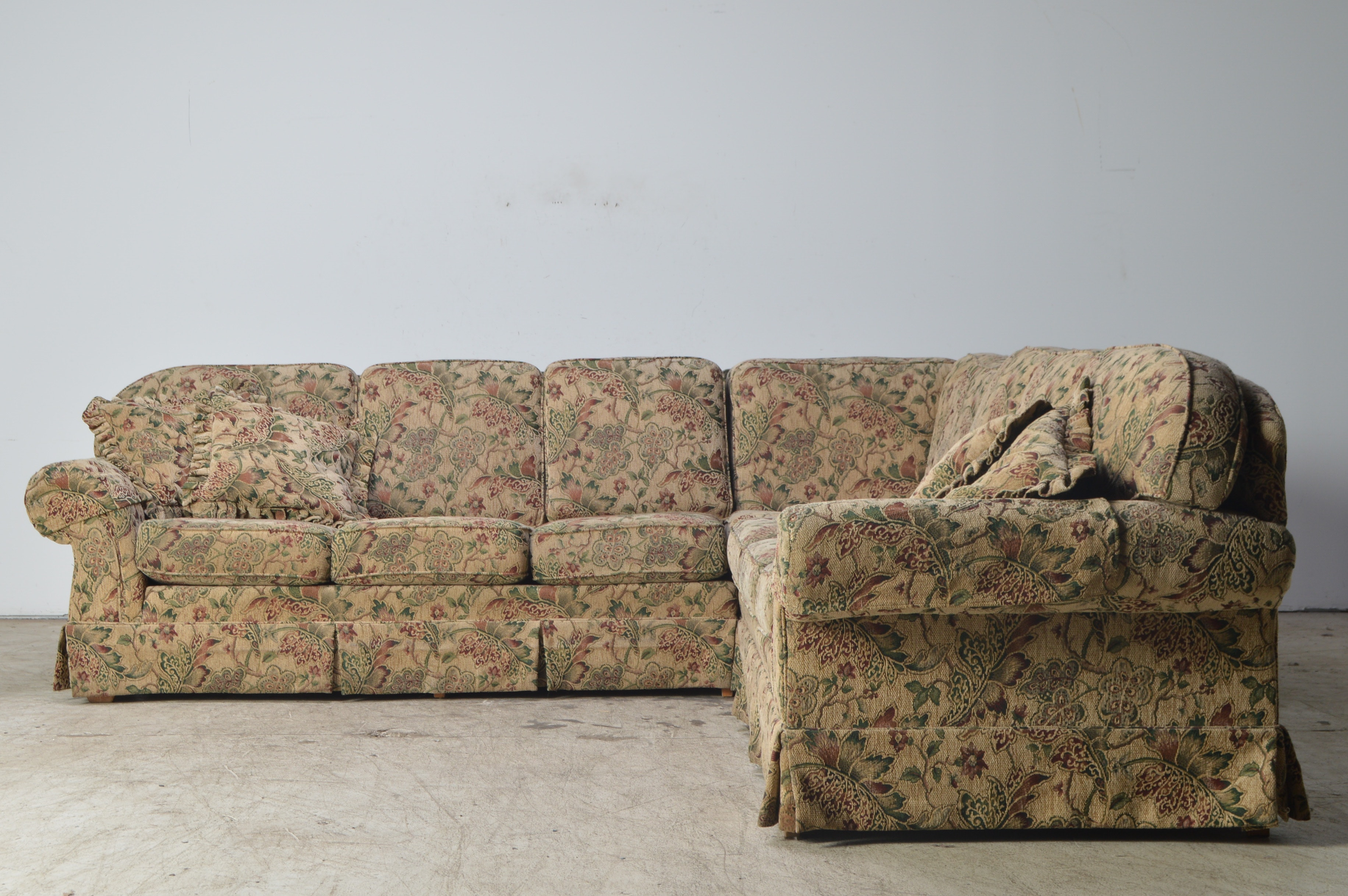 Jetton Furniture, Inc. Tapestry Upholstered Three Piece Sectional Sofa ...
