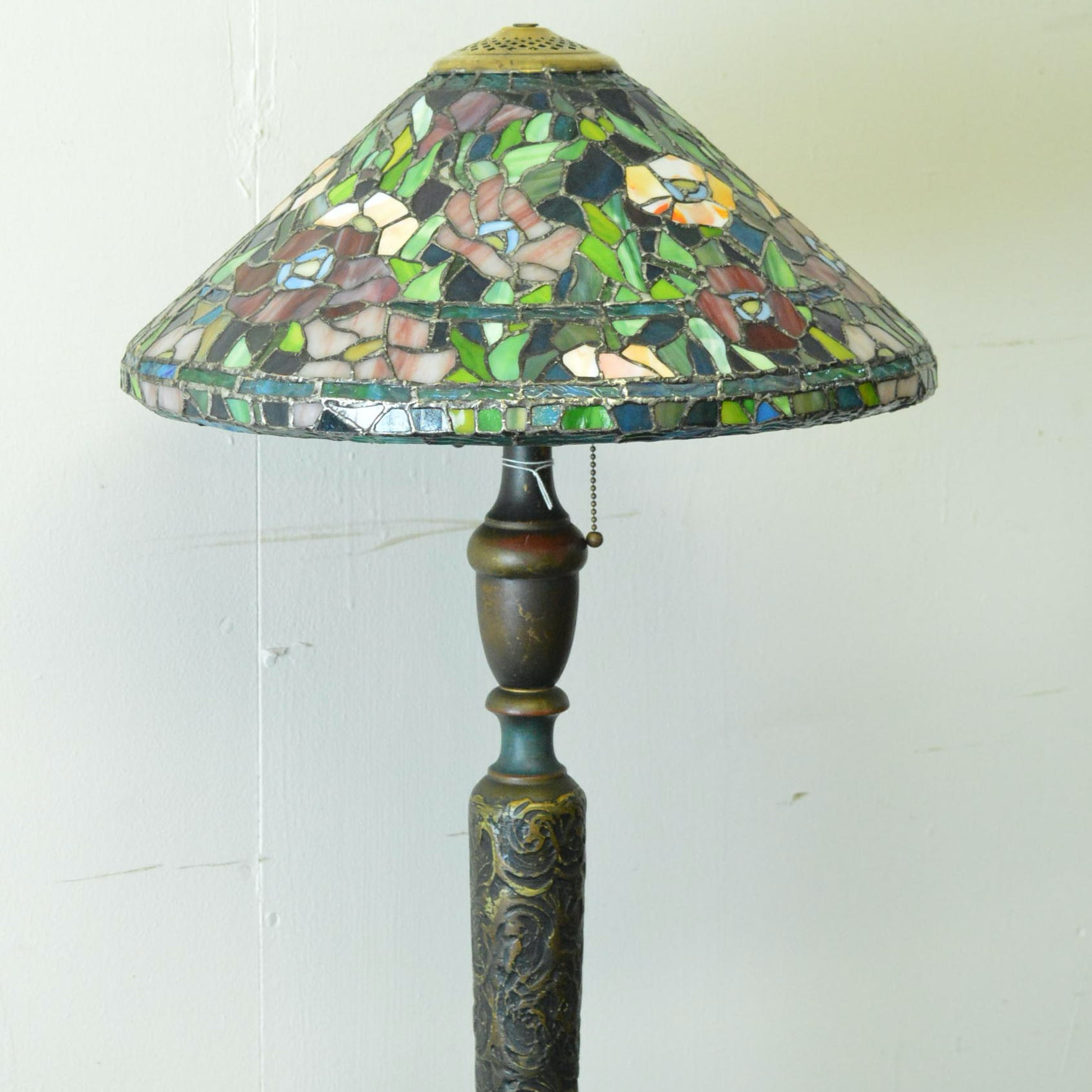 Tiffany-Style Black Metal and Acrylic Floor Lamp