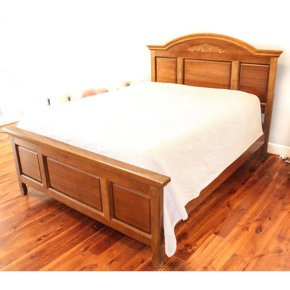 Queen Size Oak Bed Frame : EBTH