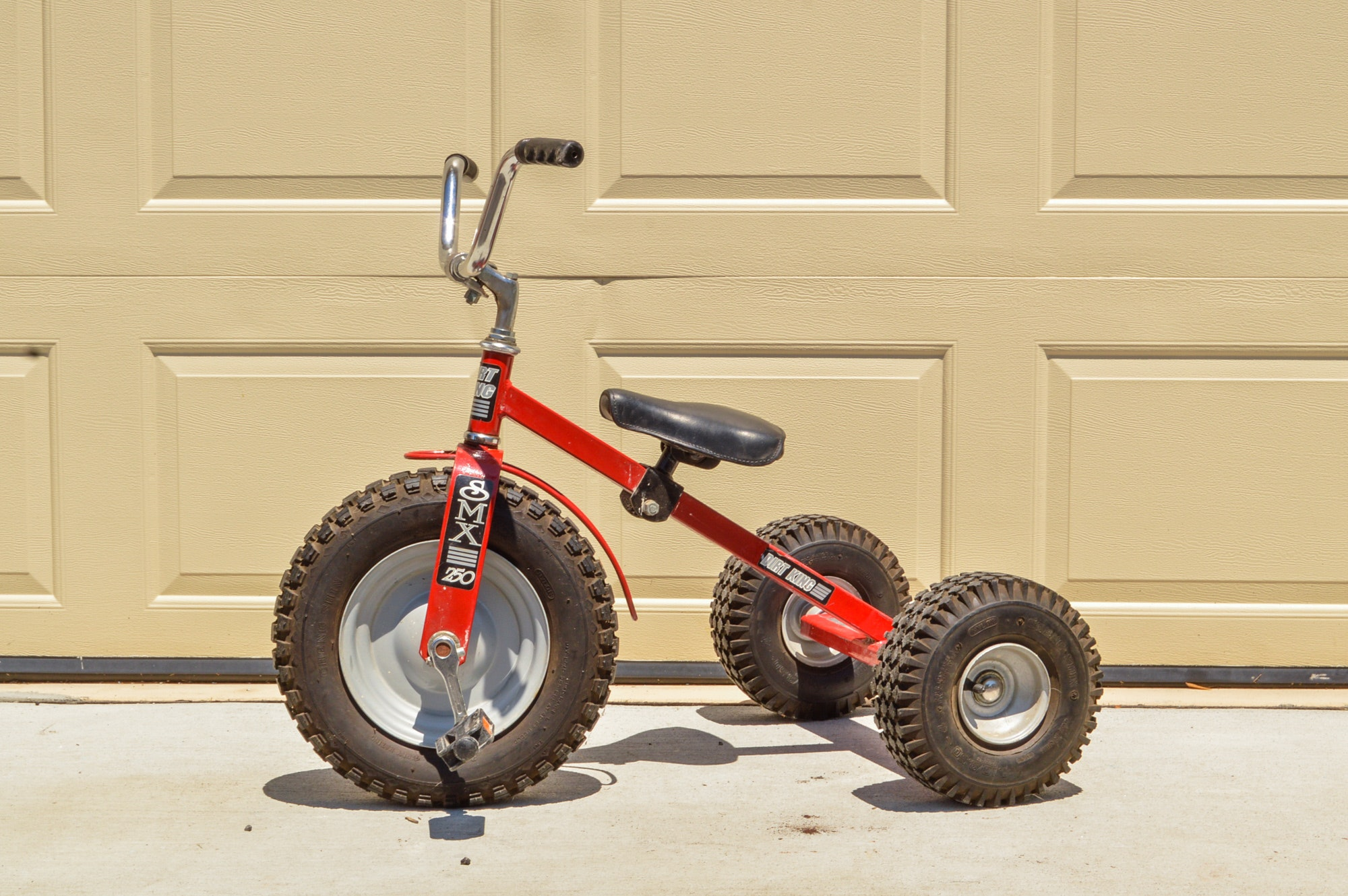 """Red SMX 250 """"Dirt King"""" Tricycle"""