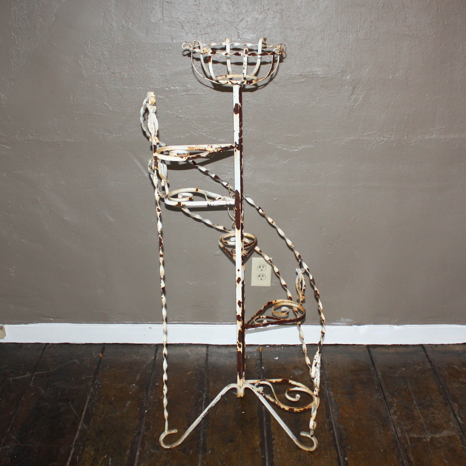 Wonderful Wrought Iron Spiral Staircase Plant Stand ...