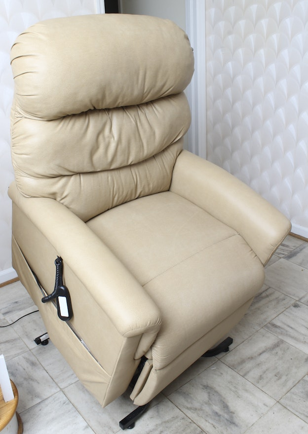 Lift Chair By Ultra Comfort America Ebth