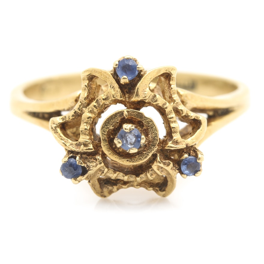 European Early 1900's 18K Yellow Gold Sapphire Ring
