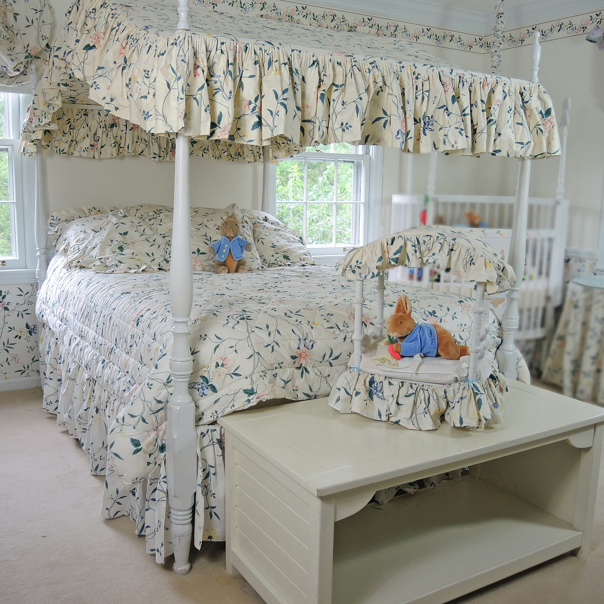Full Sized Four Post Canopy Bedroom Set