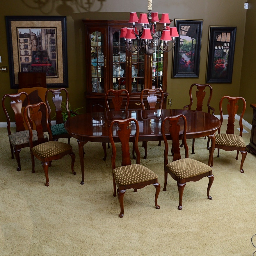 Thomasville Cherry Dining Table and Chairs : EBTH