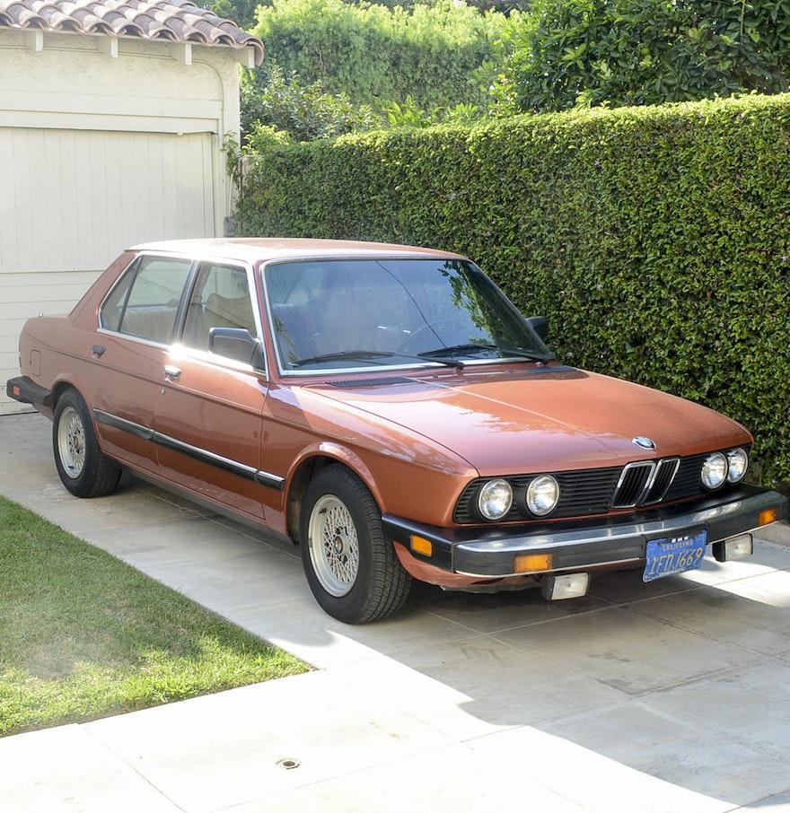 1982 bmw 528e red sedan