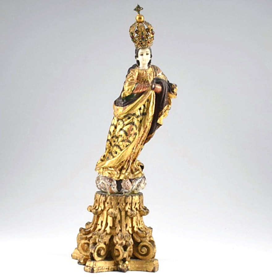18th Century Italian Santos in Gilt Robes Wearing a Crown