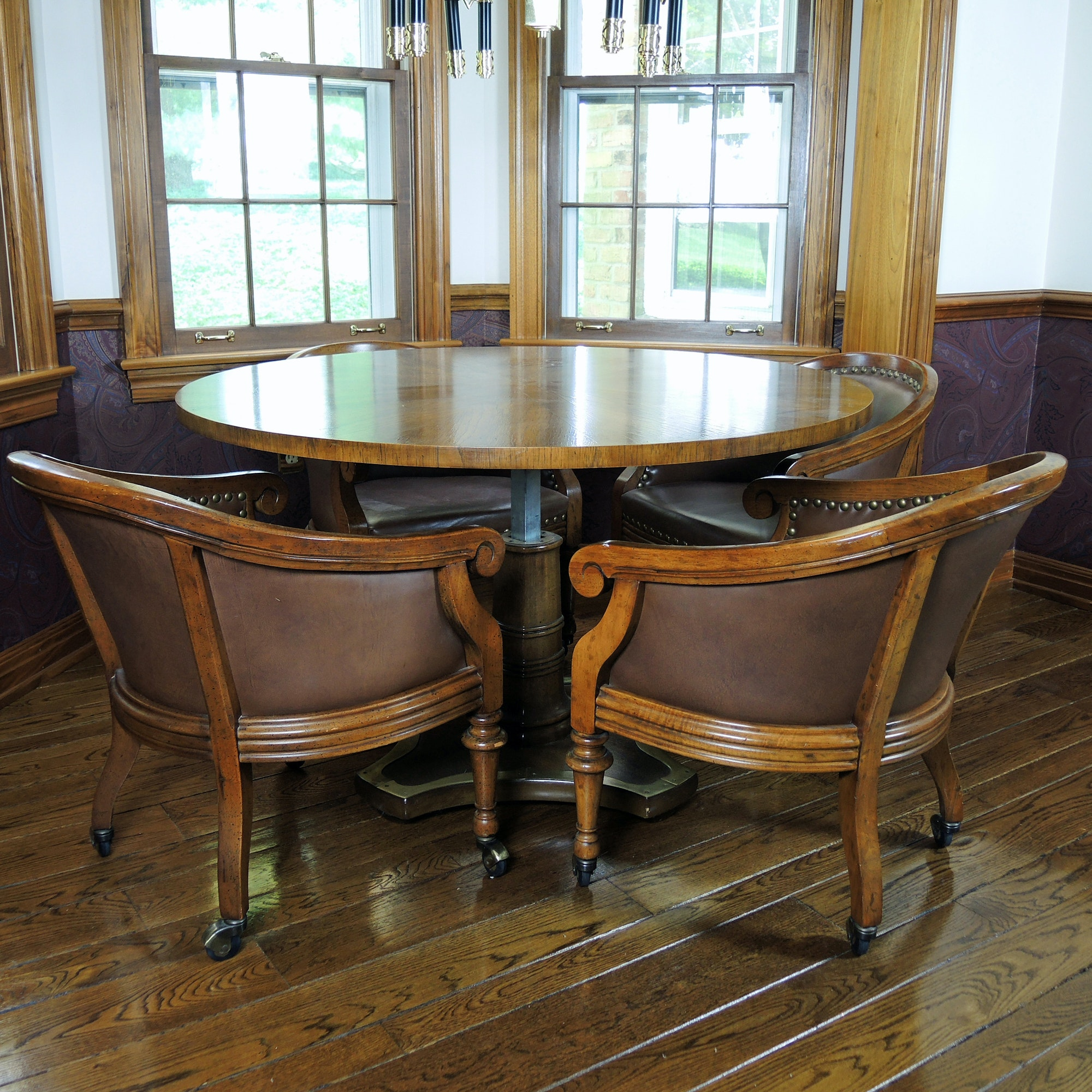 Henredon Pedestal Table and Four Chairs Set