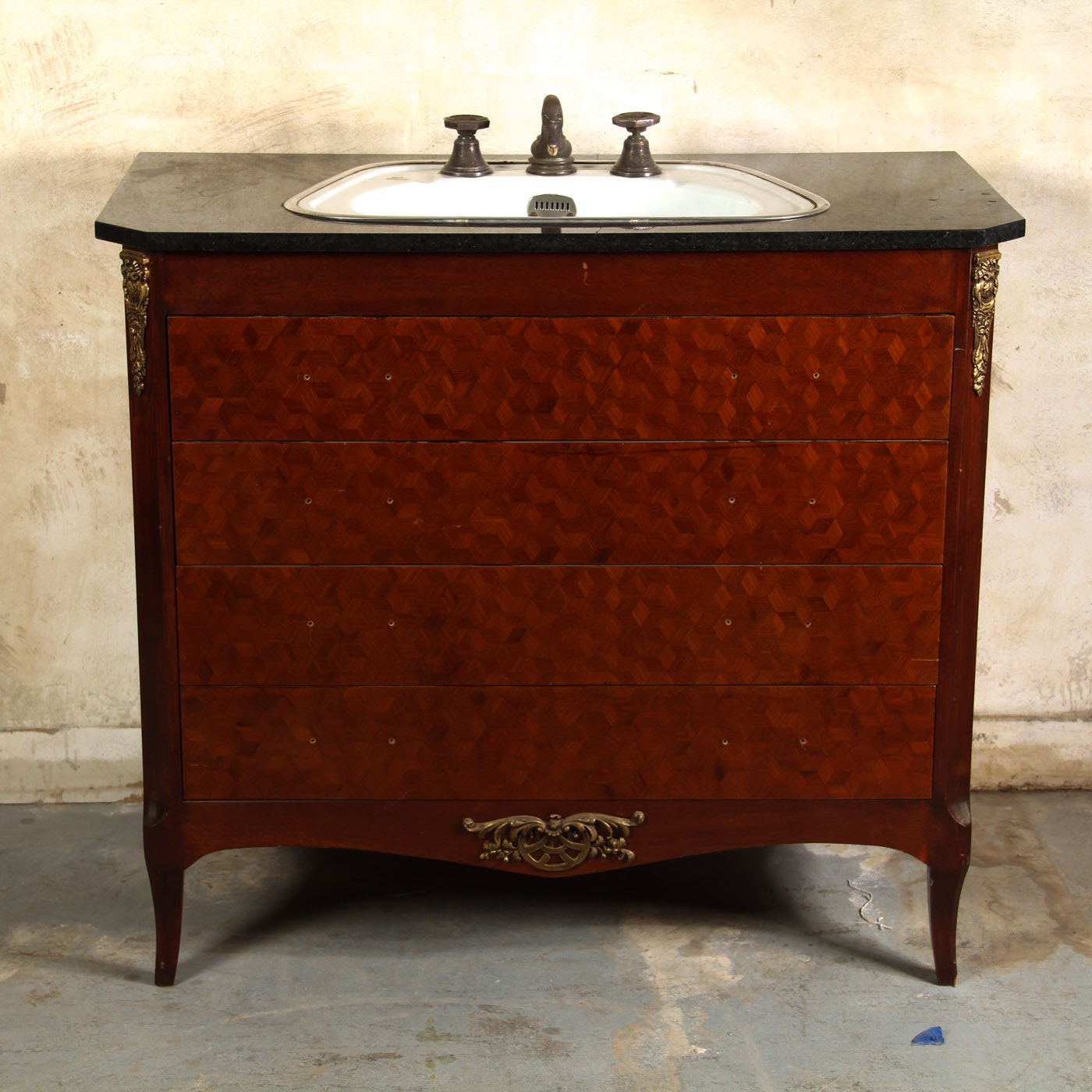 New Vintage Bathroom Vanity Minimalist