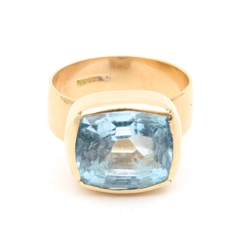 18K Yellow Gold and 8.25 CTS Blue Topaz Solitaire Ring