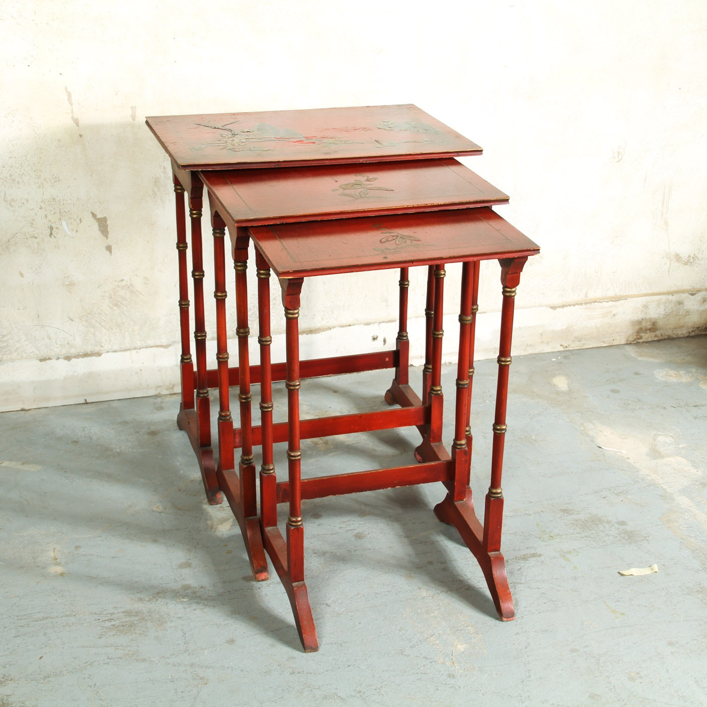 Antique Chinesoire Wooden Nesting Tables