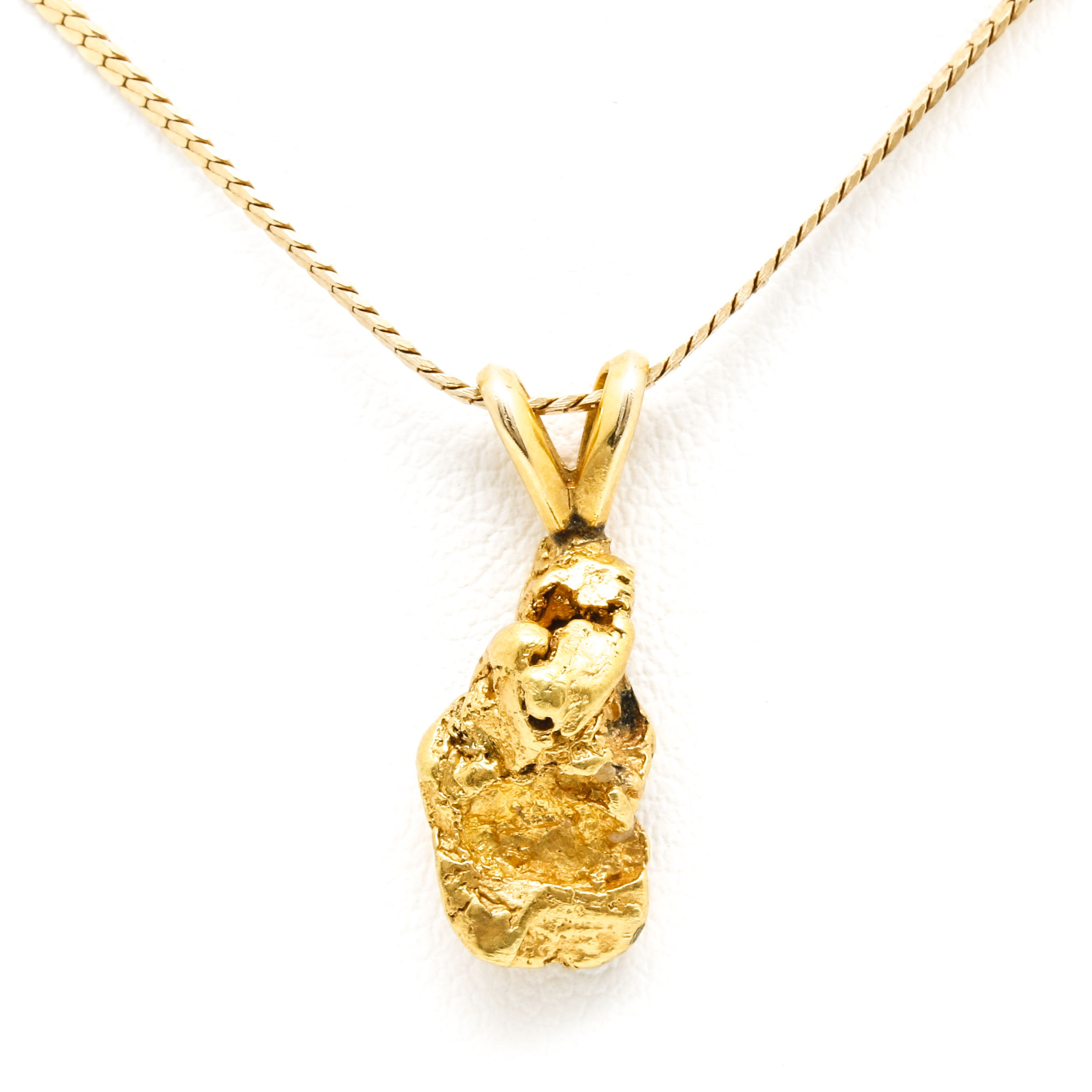 18K and 14K Yellow Gold Pendant Necklace
