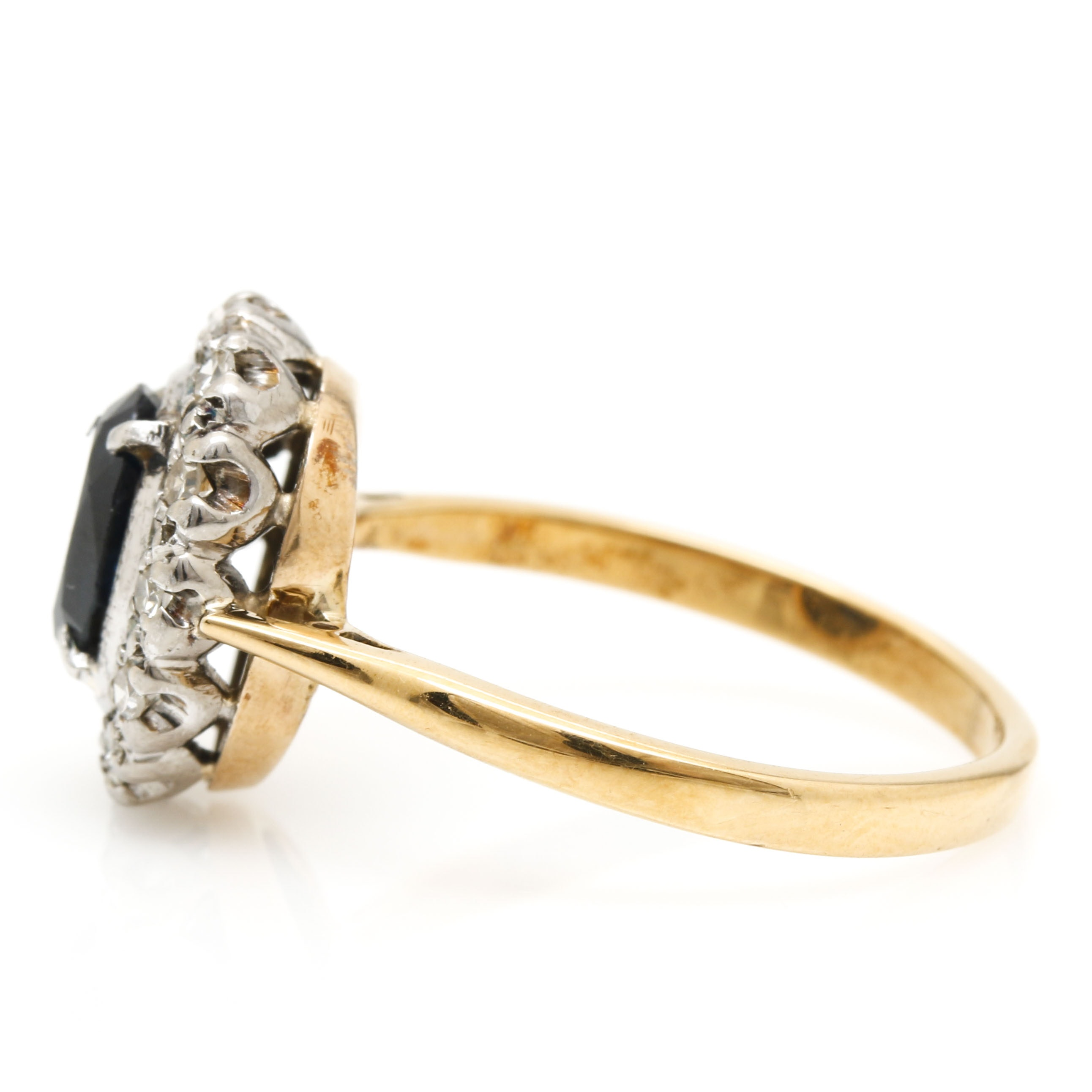 18k Yellow Gold Diamond And Blue Sapphire Ring Ebth