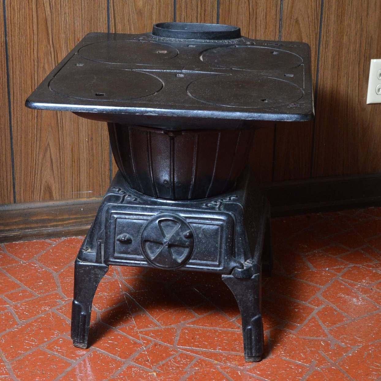 Rockwood Black Cast Iron Stove and Range Top