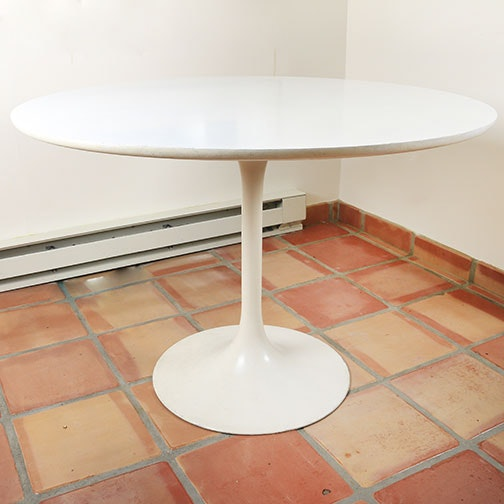 Mid Century Modern Tulip Dining Table