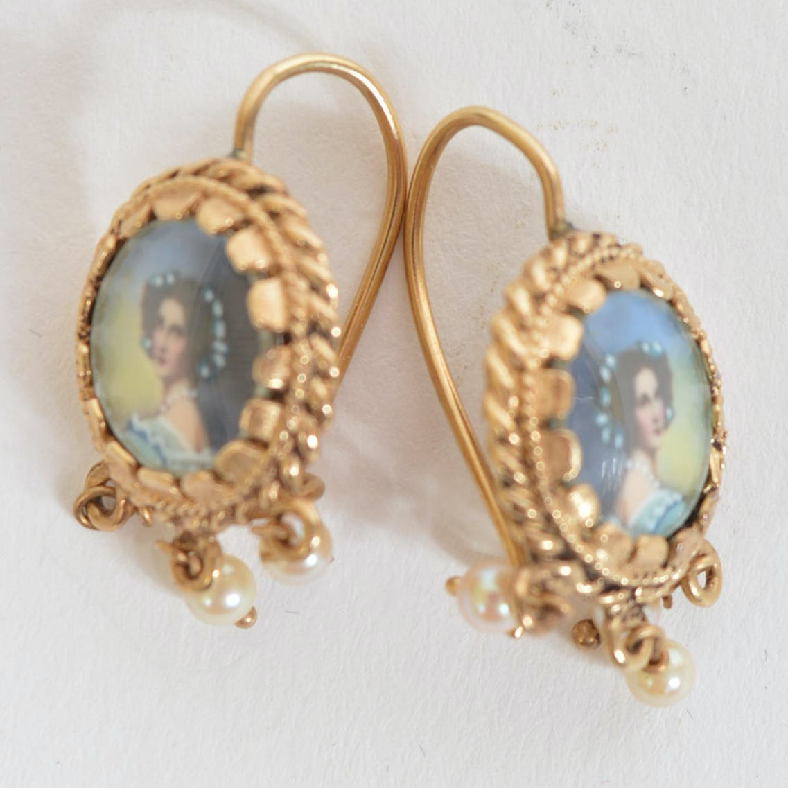 14K Yellow Gold Earrings with Portraits on Porcelain