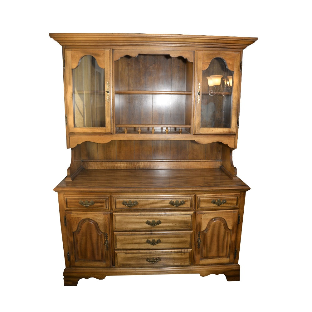 Maple Hutch with Cupboard Base