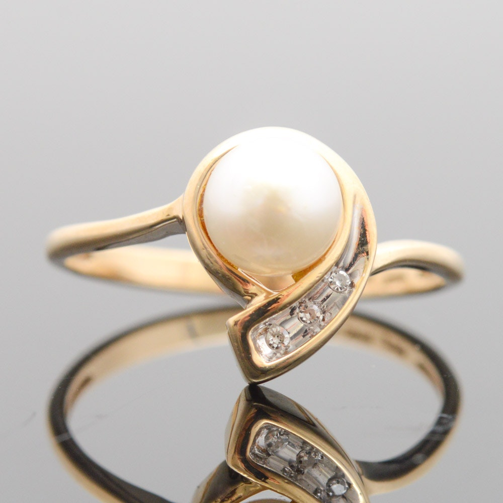 10K Yellow Gold Diamond and Cultured Pearl Ring