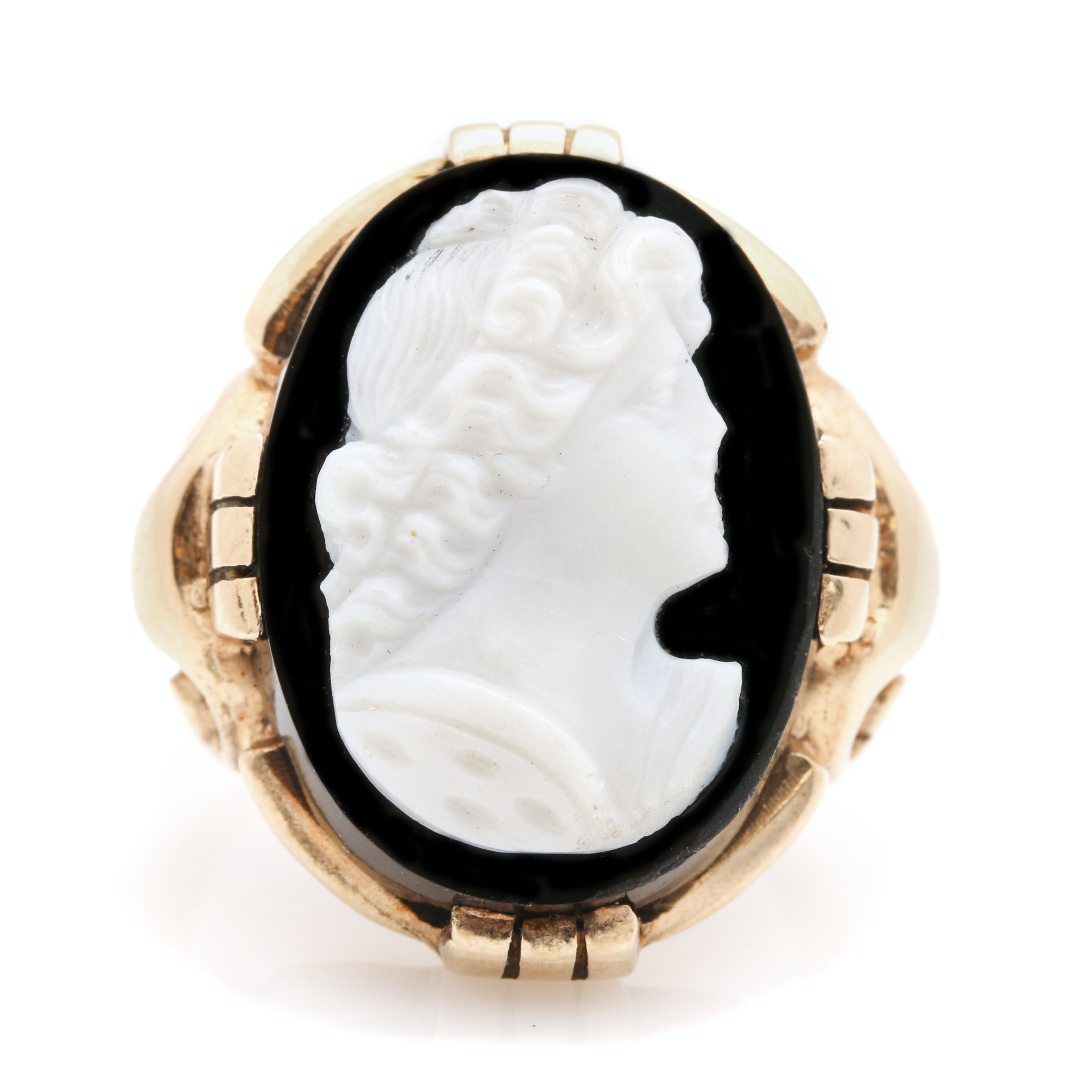 10K Yellow Gold Black and White Onyx Cameo Ring