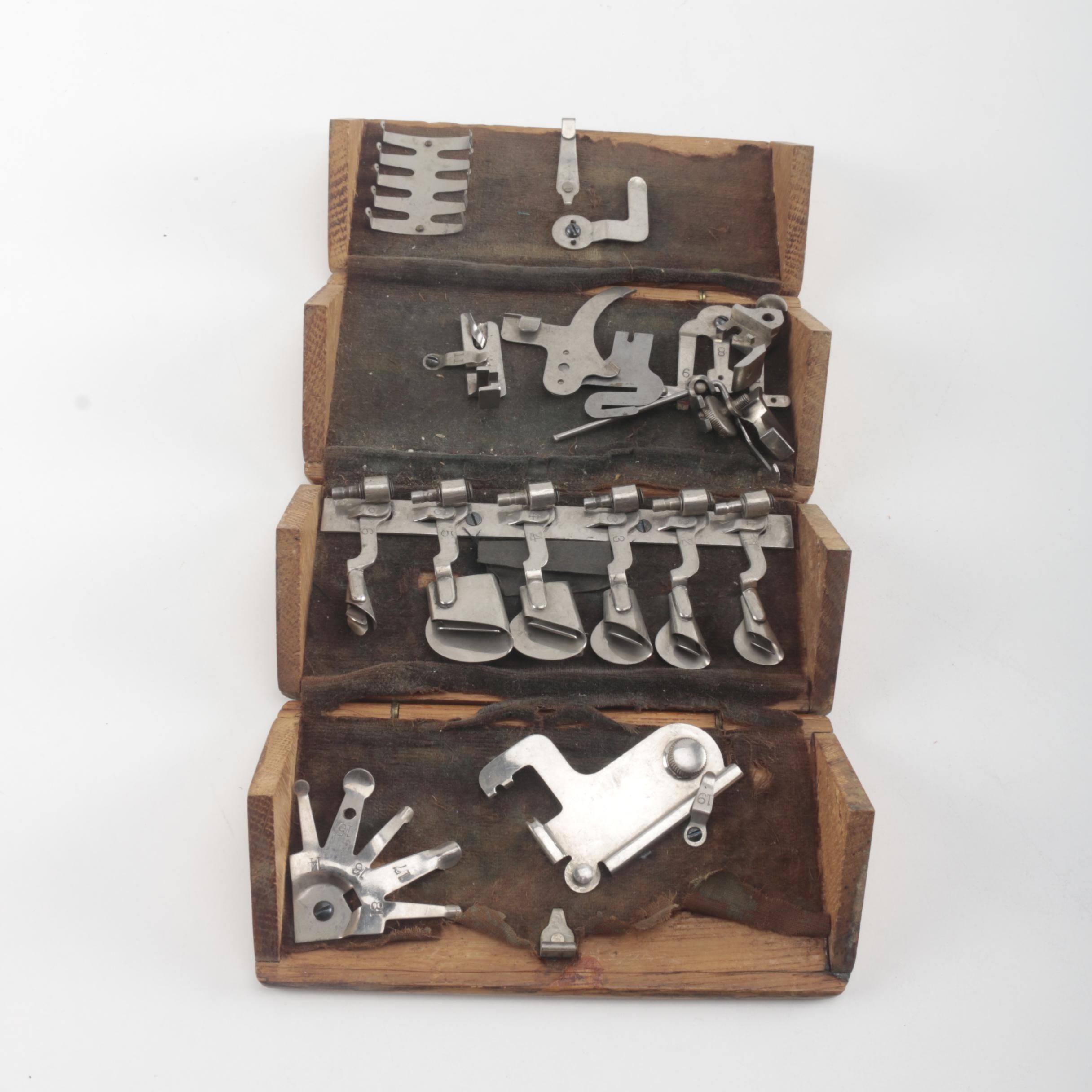 Roll-Up Wooden Tool Box