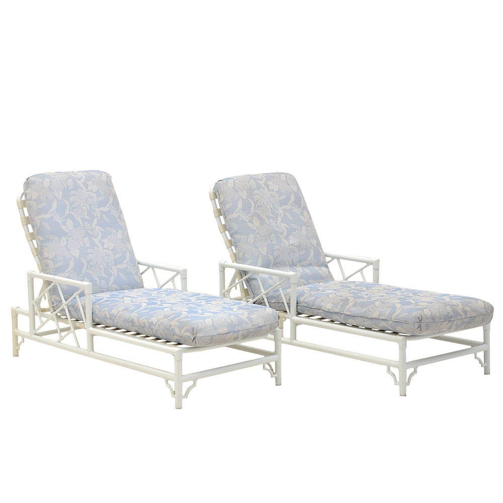 Pair of Patio / Pool Lounge Chairs